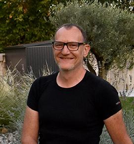 Photo de Philippe, propriétaire de la maison d'hôtes design et de charme L'Autre Rives à Albi